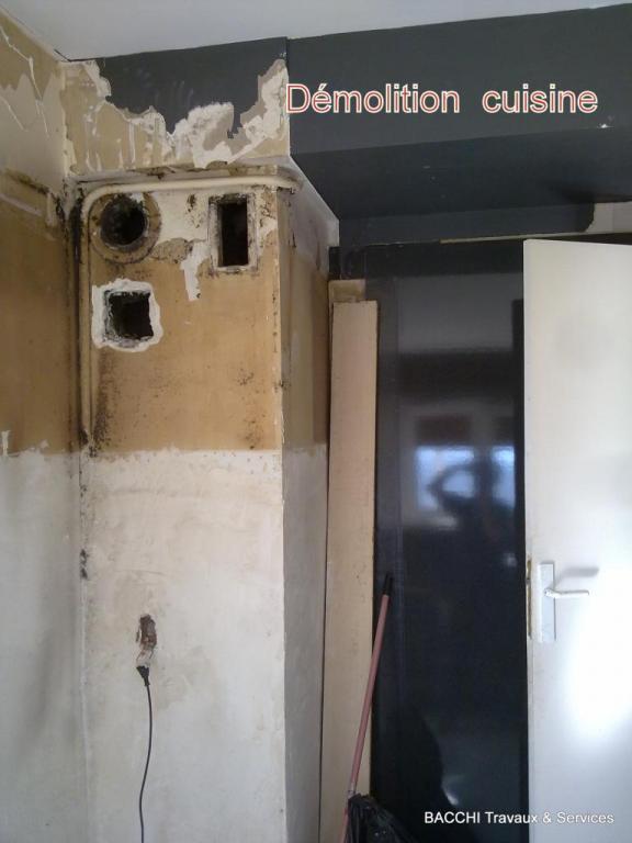 avant : après enlèvement de l'ancienne cuisine