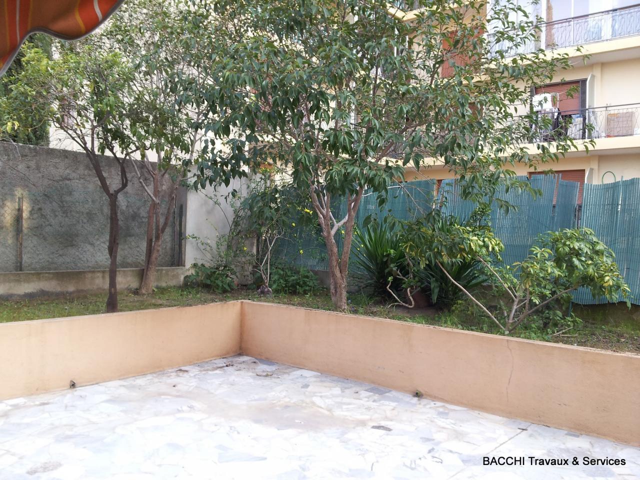 Terrasse : avant