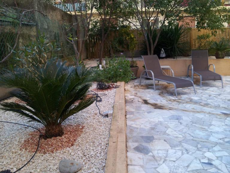 installation arrosage automatique + décoration jardinière